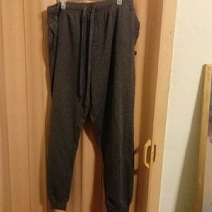 Gray Kenneth Cole Reaction sweatpants